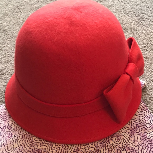 ab3246f493e3f Kate spade red bucket hat